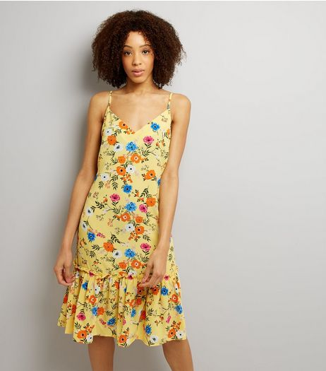 Tall Yellow Floral Print Peplum Hem Dress | New Look