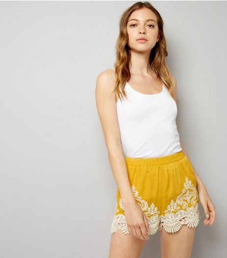 Yellow Contrast Crochet Hem Shorts | New Look