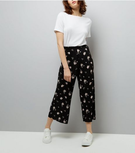 Black Floral Print Pleated Culottes | New Look