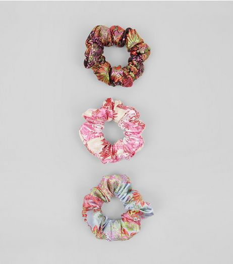 3 Pack Satin Floral Brocade Scrunchies | New Look