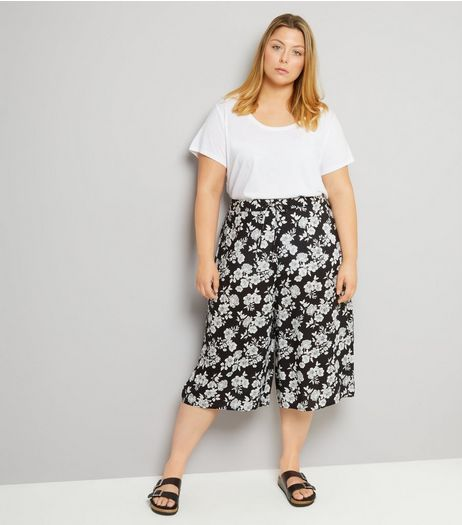 Curves Black Floral Print Culottes | New Look