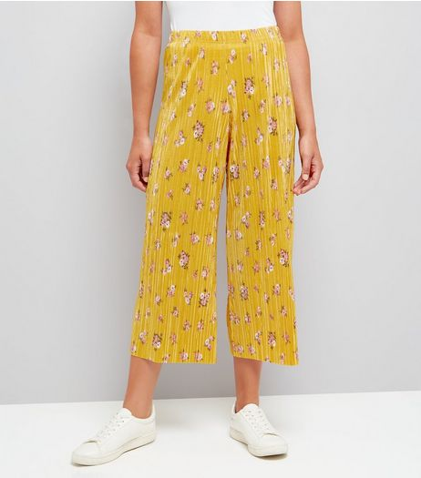 Yellow Floral Print Pleated Culottes | New Look