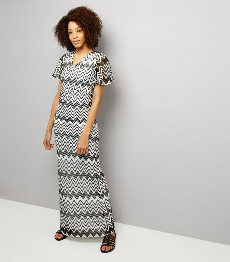 Mela Black Zig Zag Print Maxi Dress  | New Look