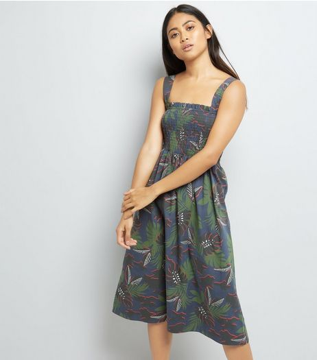 Petite Green Tropical Print Shirred Midi Dress | New Look