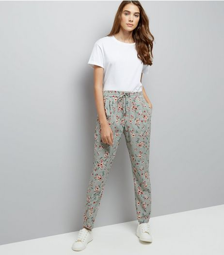 Green Floral Print Drawstring Jogging Bottoms | New Look