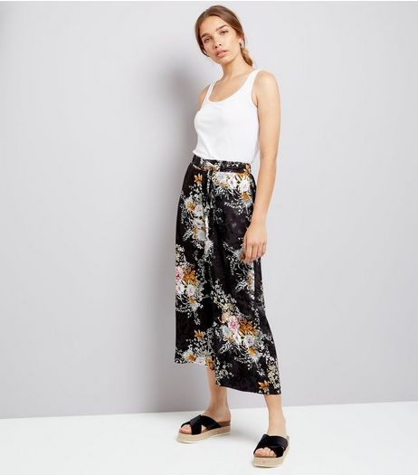 Black Floral Jacquard Cropped Wide Leg Trousers | New Look